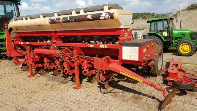 Plantadeira Semeato PAR 3600 SR 10 Linhas - Semeato - Ano 2009 - Chassi 0966C950A