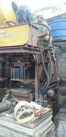Máquina de Bloco Vibrafort