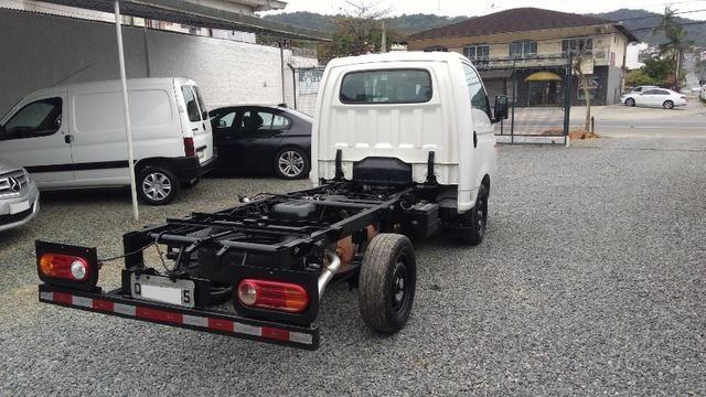 Caminhãozinho, Furgão - HR 2.5 Turbo Diesel, ano 2016, único dono, Joinville SC - Foto 7