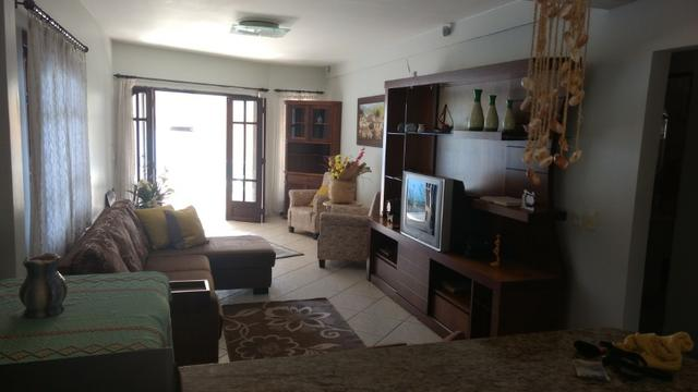 Casa e apartamento 50 mts da (Praia Enseada) c/ar e internet - Foto 2