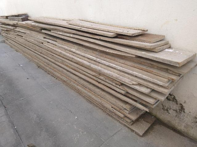 Madeira para construção? Pinus 25cm e de 30cm de largura