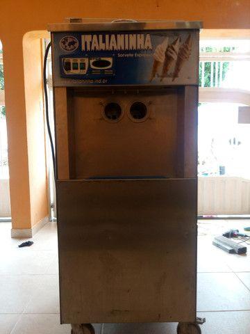 Maquina de sorvete italianinha  - Foto 6