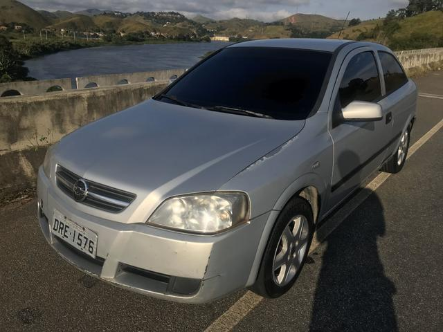 Astra 2005 completo GNV