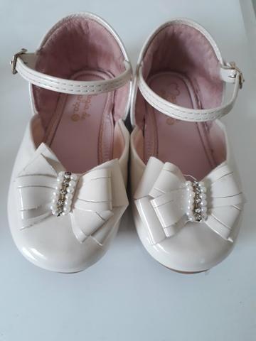 Sapatos semi novos e mto conservados Melissa tamanho 19 e sapato tamanho 20 - Foto 3