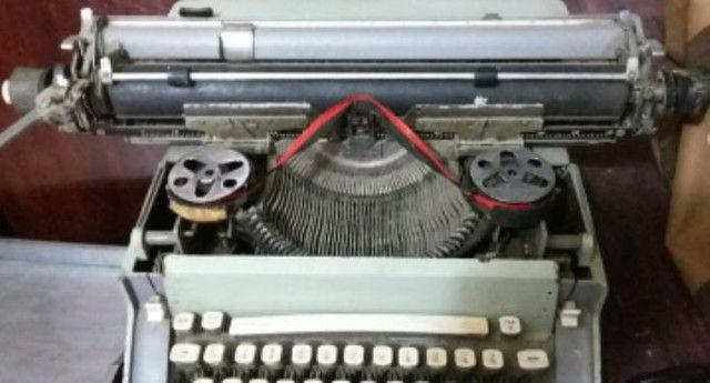 Máquina escrever antiga - Foto 2