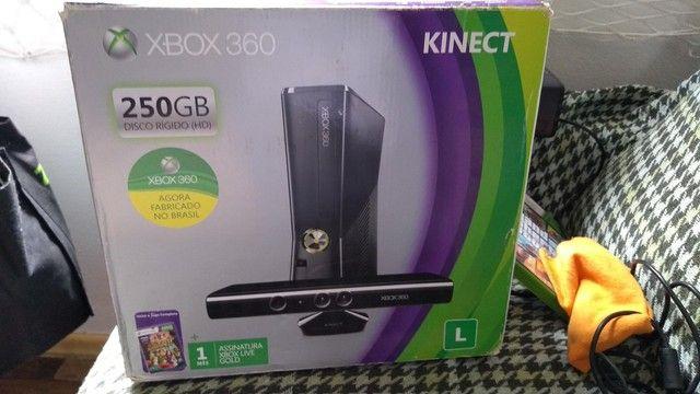 Xbox 360 Slim + Kinect + 2 jogos  - Foto 3