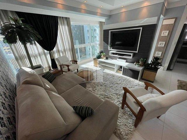 Apartamento Decorado com 03 Dormitórios a 250 metros do Mar