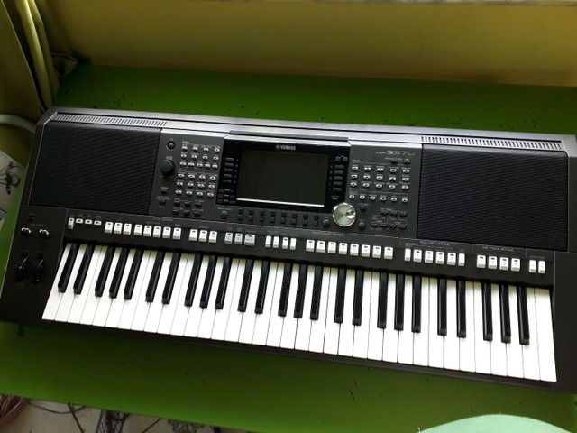 Teclado Yamaha psr s970 seme novo  - Foto 5