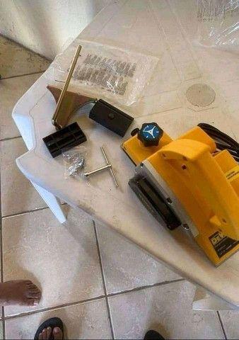 Plaina elétrica dewalt nova nunca usada  - Foto 2