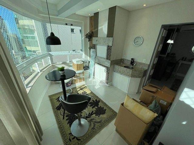 Apartamento Decorado com 03 Dormitórios a 250 metros do Mar - Foto 8