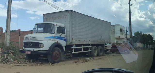 Caminhão Baú Mercedes 1113 - Foto 2