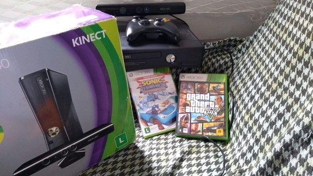Xbox 360 Slim + Kinect + 2 jogos  - Foto 2