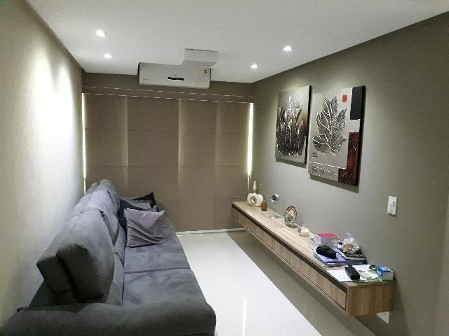 Apartamento Reformado, Reformulado, e Totalmente Mobiliado