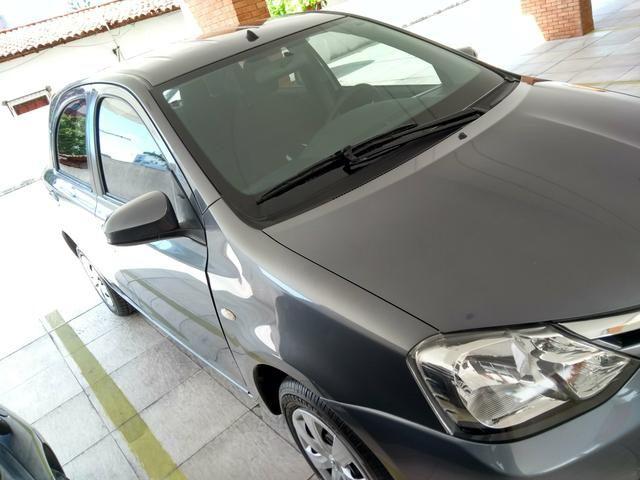 Etios Hatch 1.5 XS Novo