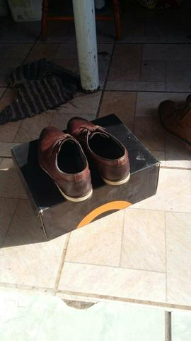 Sapato marrom 20$