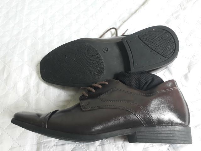 Sapato social menino tamanho 34 - Foto 2