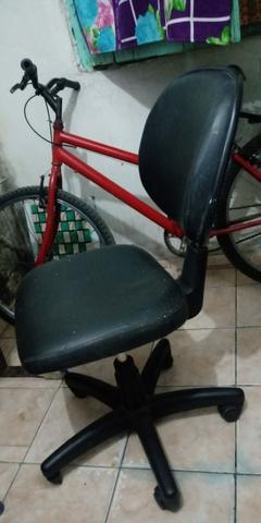 Cadeira de escritório - Foto 2