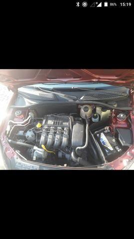 Clio sedan super conservado - Foto 2