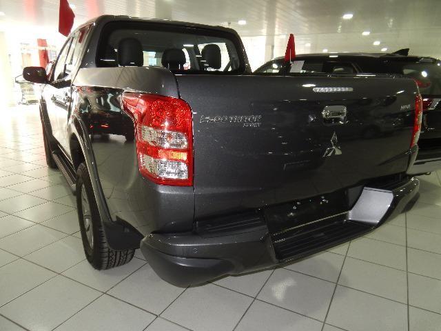 Mitsubishi L200 Triton Sport HPE-S Couro Xenon Conheça o Mit Facil e Desafio Casca Grossa - Foto 5