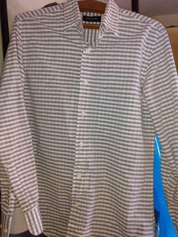Camisa masculina quase nova - Foto 2