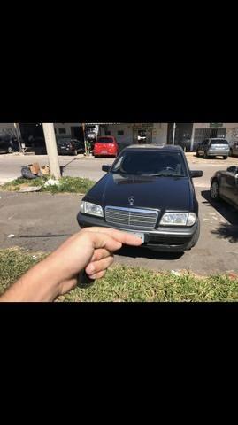 Mercedes C200 - Foto 2
