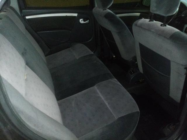Renault Logan Privilege 1.6 - Foto 5