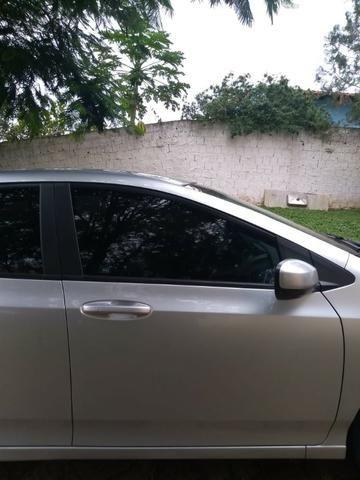 Automóvel - Foto 3