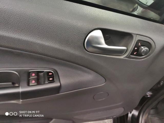 Volkswagen Saveiro Cross 1.6 (Flex) 2011 - Foto 8