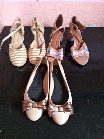 4 pares de calçados número 39.  - Foto 2