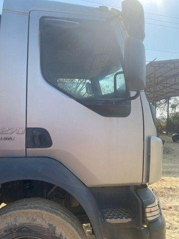 Caminhão volvo 270 ano 2016 caçamba