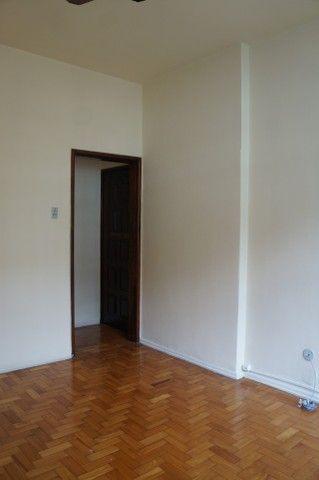 Apartamento Rua Miguel de Frias ao lado Colégio São Vicente - Foto 3