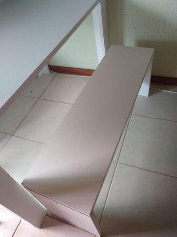 Mesa com bancos - Foto 2