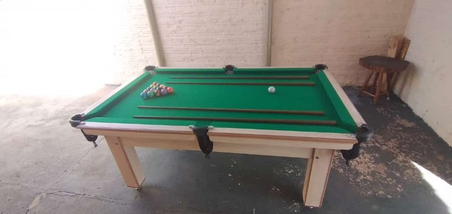 Mesa Tentação MDF Cor Cerejeira Tecido Verde Mod. TXFV2519