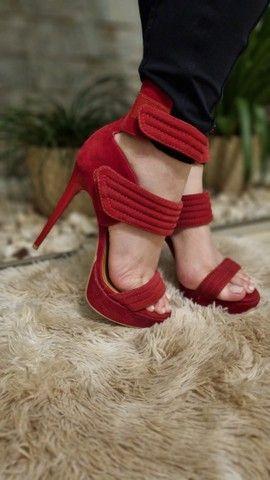 Sandálias Femininas - Lindas e Elegantes - 2 pelo preço de 1