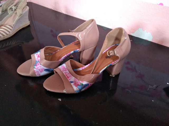4 pares de calçados número 39.  - Foto 4