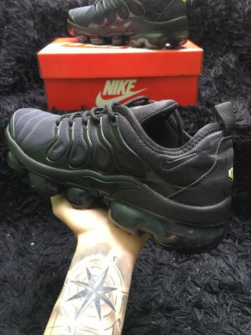 3f482840ed Roupas e calçados Unissex - Outras cidades