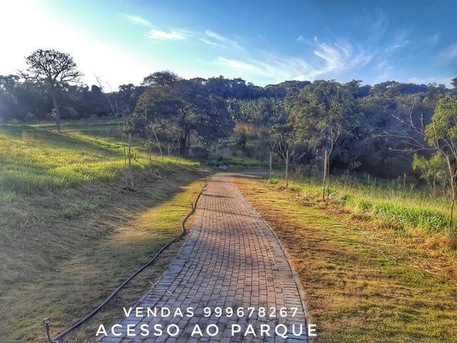 More a 14km do Passeio das Águas com Terrenos apartir de 2000m2 Obras Adiantadas - Foto 2