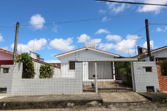 Charmosa casa para alugar com 2 dormitórios em Nova Parnamirim