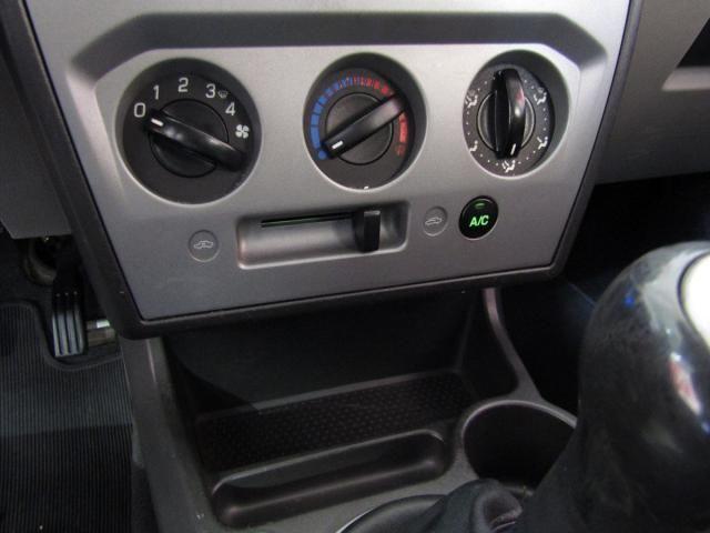 FORD FIESTA 2009/2009 1.6 MPI SEDAN 8V FLEX 4P MANUAL - Foto 5