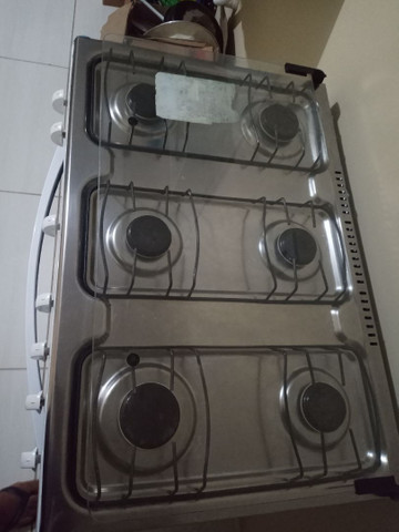 Um fogão 6 bocas semi novo  - Foto 3