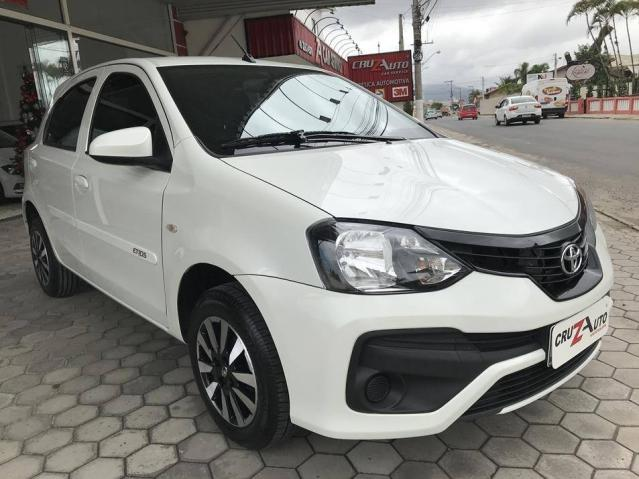 Toyota Etios Hatch X 1.3 Flex Automático 2019 (Único Dono) Branco Pérola - Foto 5