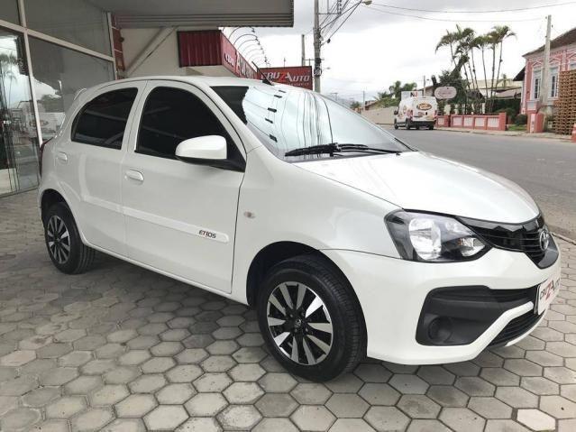 Toyota Etios Hatch X 1.3 Flex Automático 2019 (Único Dono) Branco Pérola - Foto 4
