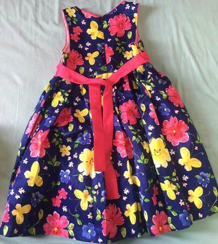 Vendo Lindo Vestido infantil 5 aninhos