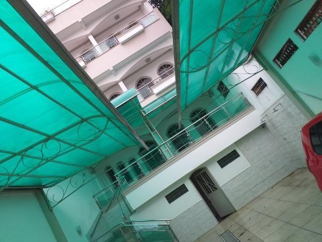 Casa na Raiz, 3 pisos 4 Quartos com 2 suítes / Leia o Anuncio!! - Foto 2
