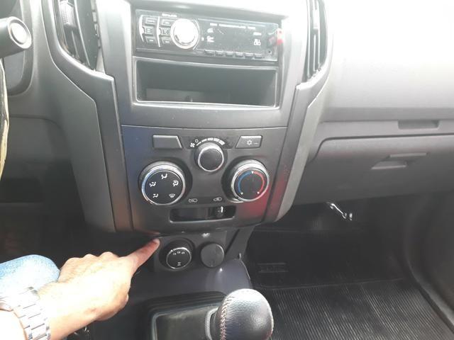 Vendo ou troco S10 Cab. dupla 2013 63.000 R$ - Foto 11