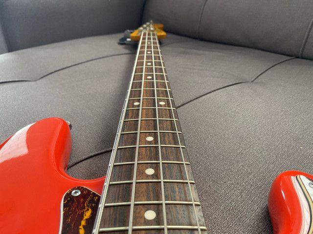 Baixo Squier Classic Vibes 60 - Fiesta Red - Foto 2