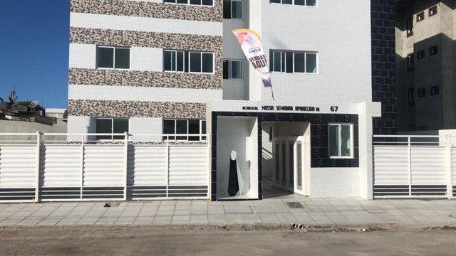 Apartamento com 02 quartos, 01 suite e 46m², bem localizado em Muçumagro