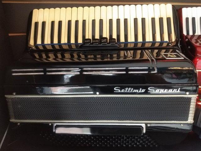 Acordeon Settimo Soprani 120 Baixos (Mixer Instrumentos Musicais)
