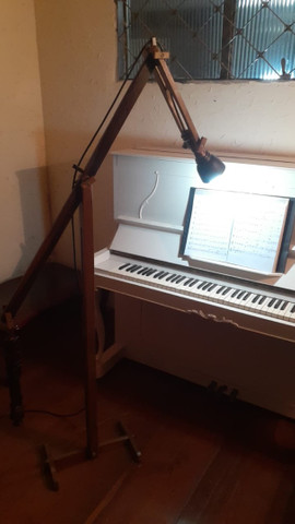 Piano semi novo Schneider  - Foto 2