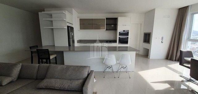 Apartamento Novo Mobiliado com amplo Living - Foto 8